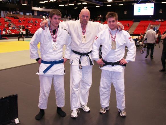 Senior herrer, f.v.: Nils Robin Bjørklund, bronse -81 kg, Egil Kvåle, gull +100 kg og Håvard Thorsø Joihansen, sølv -100 kg.