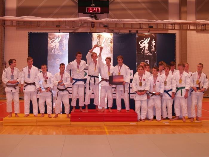 U20H: Gull Levanger JK, sølv Ippon JK 1. bronse Sandnes JK og Ippon JK 2