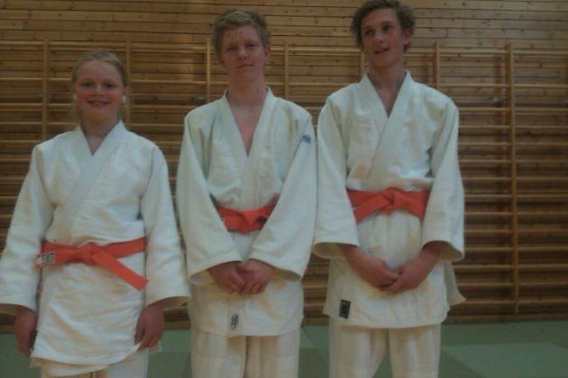 F.V.: Inez Marie Lysne-Ness, Stian Andre Nielsen og Chris Andre Finanger.