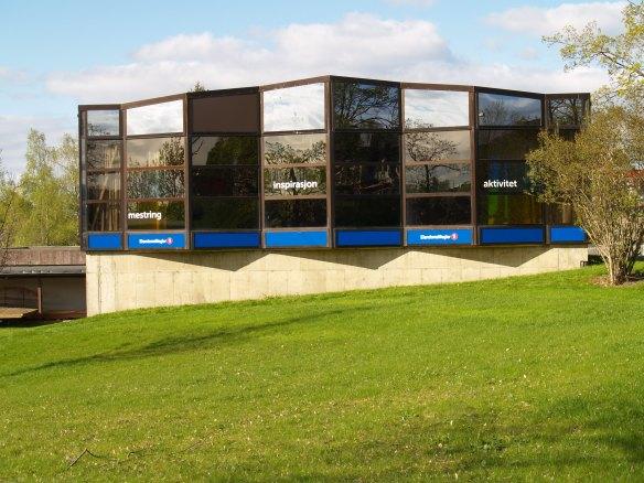 EiendomsMegler 1-hallen sett fra sør (fra Okkenhaugsveien).