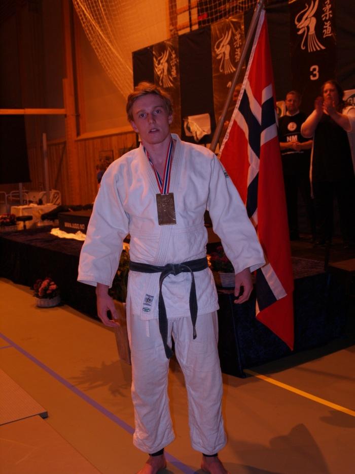 NM senior: Bronse i både -90 og åpen klasse til Henrik Reitan.