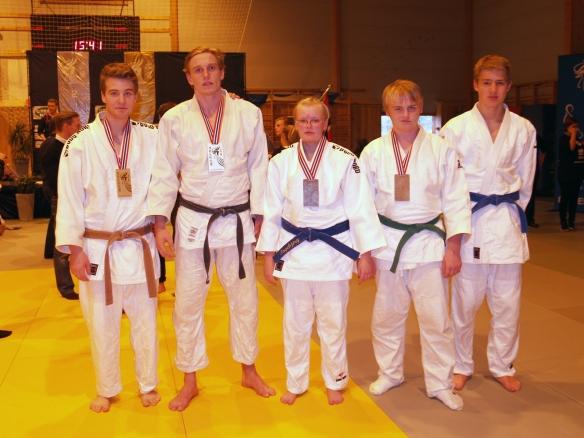 F.v.: Jørgen Ruiz Garcia, Henrik Reitan, Ingebjørg Holbø, Markus Leonhardsen og Lavrans Lysne-Ness.