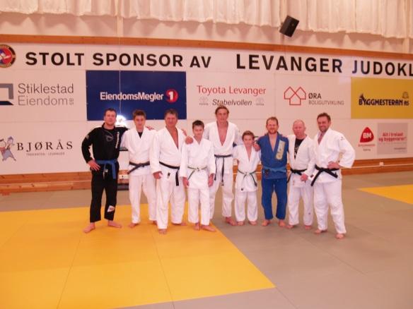 F.v.: Adrian Haugen (BJJ), Håvard Thorsø Johansen, Snorre Johansen, Thomas Wikdahl, Henrik Reitan, Sander Næssan, Eivind Bjørås (BJJ), Lars Erik Bjørås og Ole Christian Langfjæran.
