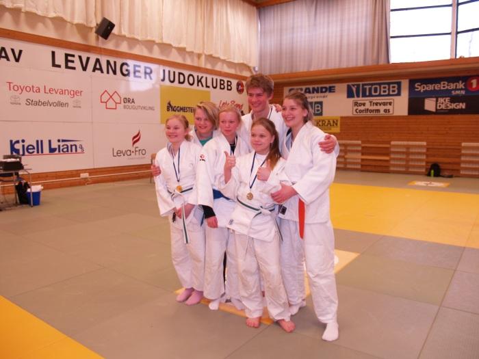 LJKs medaljevinnere i U15/U18.