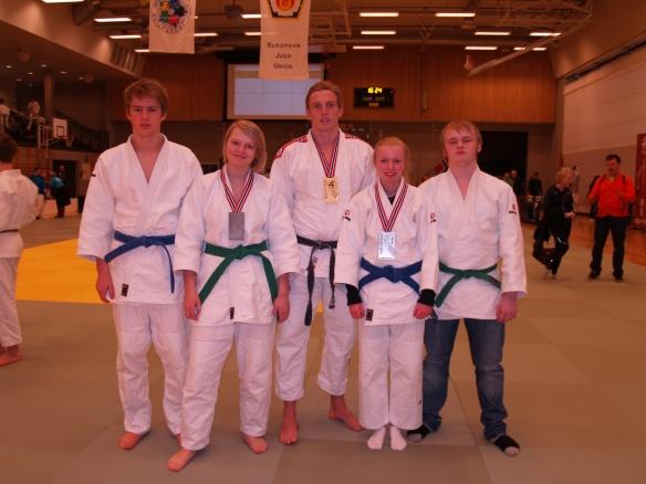 F.v.: Lavrans Lysne-Ness, Inez Marie Lysne-Ness, Henrik Reitan, Ragnhild Holbø og Markus Leonhardsen.