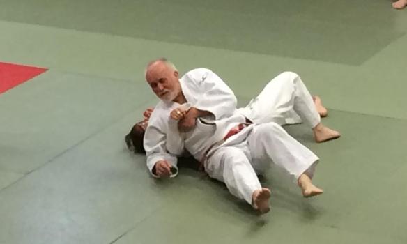Ulrich Klocke, 7. dan, ga en grundig innføring i viktige teoretiske og praktiske sider ved judo.
