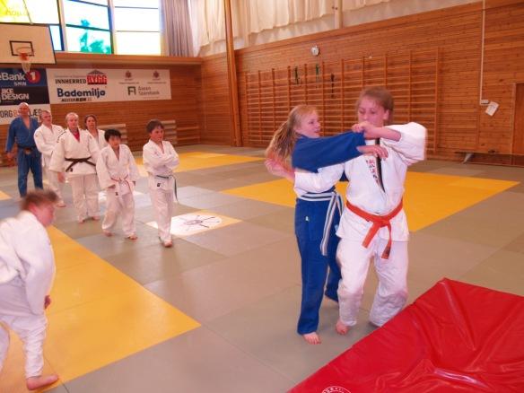 Avskjedsgave på judovis: Luisa fikk 100 kast i gave!