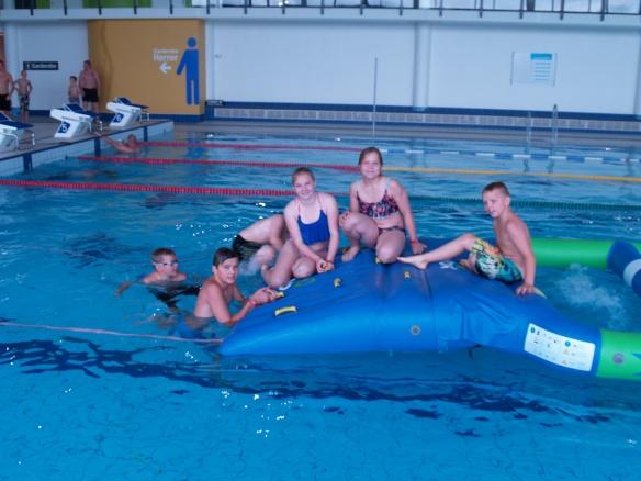 Besøket i svømmehallen var nok dagens høydepunkt.